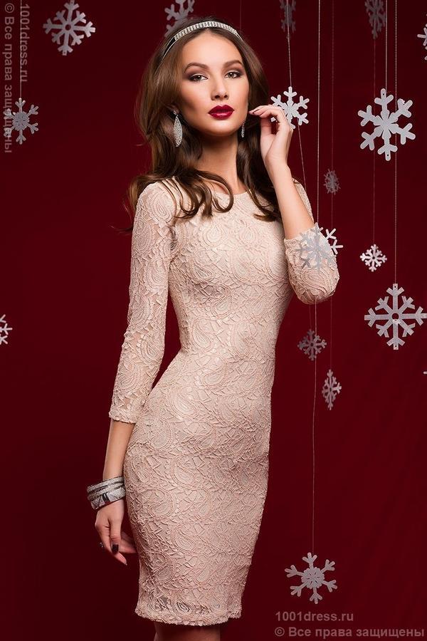 Платье пудровое кружево