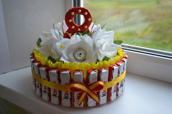 Подарок из конфет своими руками для девочек фото 43