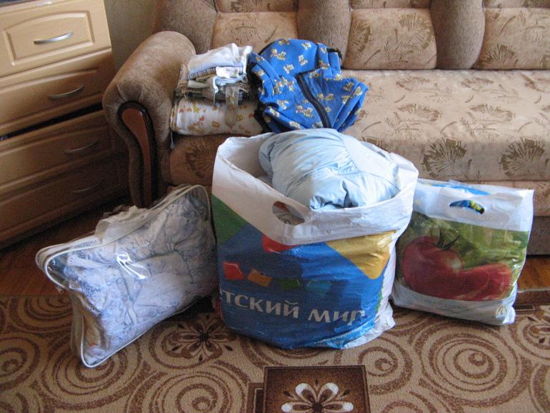 Пакет вещей от 0 до 12 (всё ,от носочков до комбезов),недорого!