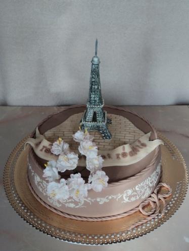 Нужен торт Эйфелева башня