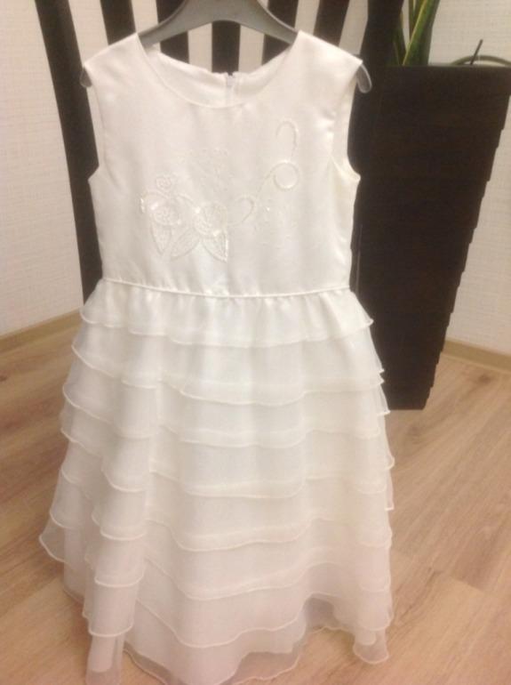Платье  на  Новый  год,  размер  110/116,  400  руб.+  почта