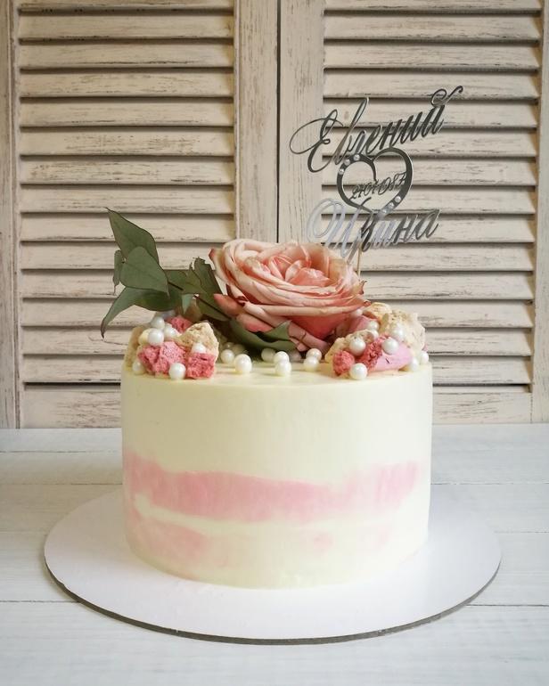 Торт с безе и свежими фруктами