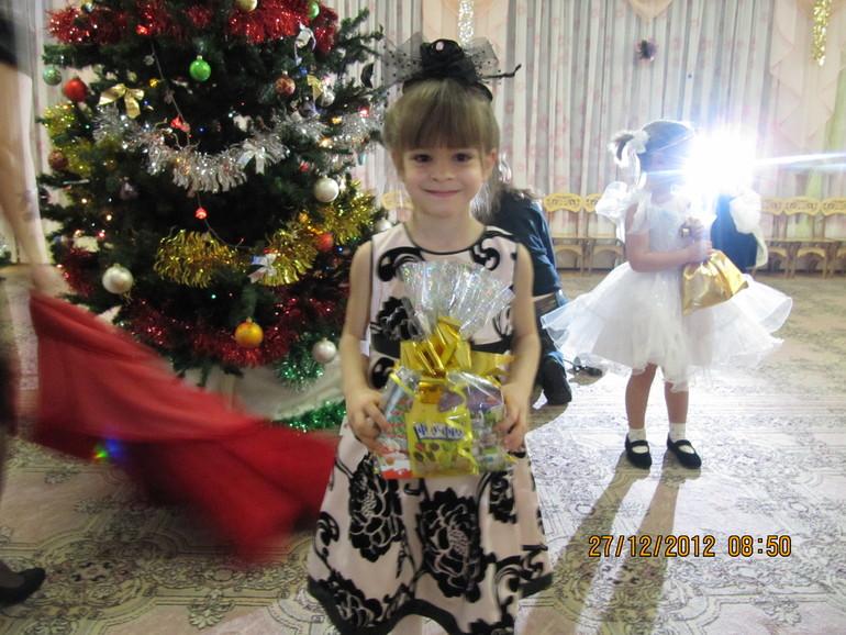 Комплект на девочку на 4 года. Туфельки TNY (Испания) 27 р. Цена 2800 руб.