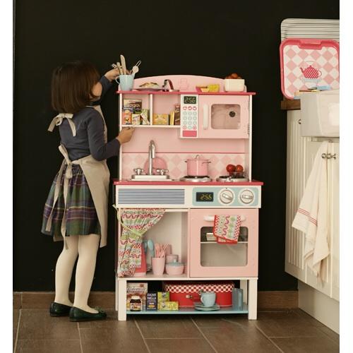 деревянные игрушечные кухни ну как игрушечные почти как