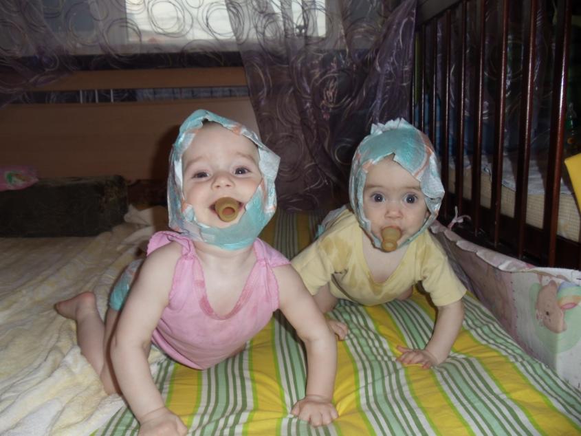 Про смешные близнецов перепутанных истории