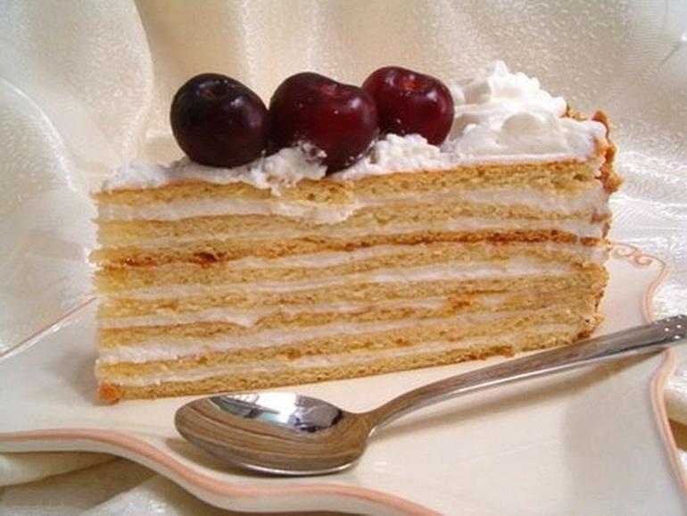 Как приготовить сметанковый торт в домашних условиях