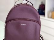 новый рюкзак Furla 100% натур кожа. размер L