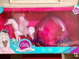 Лошадь с каретой принцессы. Fancy carriage