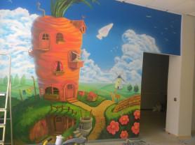 Роспись стен в детскую комнату