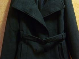 Пальто деми. на42- 44-46. б у
