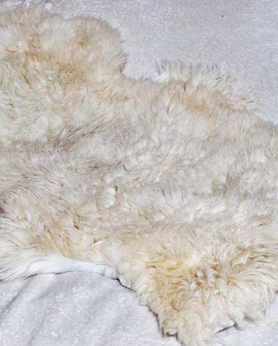 Шкура овчины не стриженая Светлая. 100% овчина