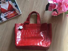 Яркая красная кожаная сумка Furla (оригинал)