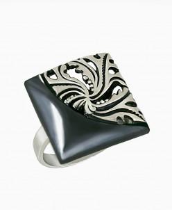 Кольцо из серебра Монро с нанокерамикой Юмила