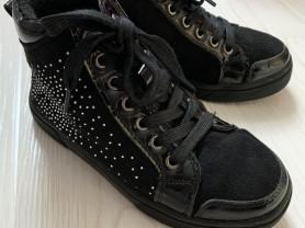 Демисезонные ботинки р.32