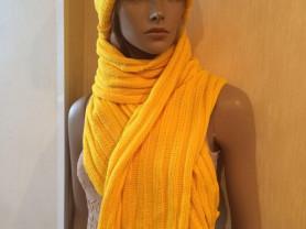 Новый яркий комплект Lays: шапка + шарф