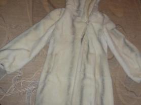 Шуба белая, с поясом