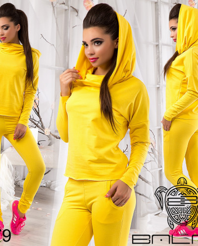 Модный спортивный костюм - 10179