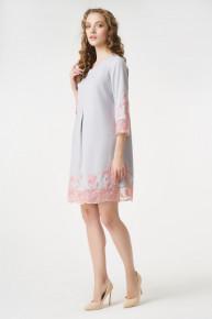 Коктейльное платье с аппликацией