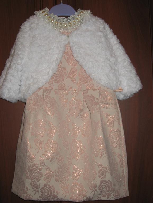 Пристраиваю красивое платье и болеро