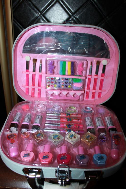 Набор детской косметики для девочек в чемоданчике купить в москве