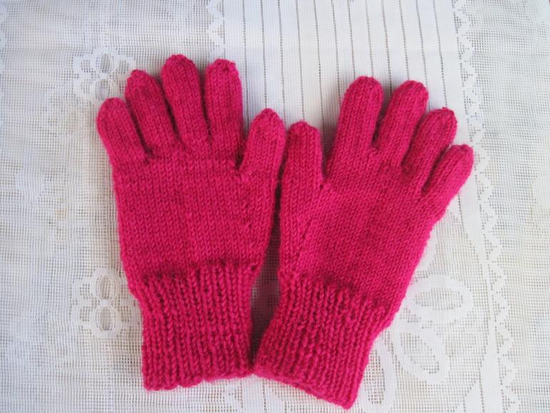 Чем связать детские перчатки