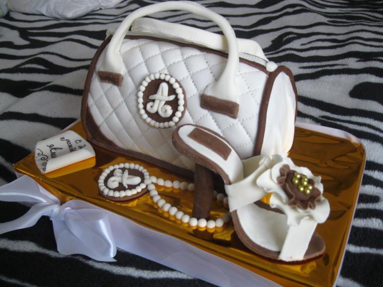 Торт-сумочка.