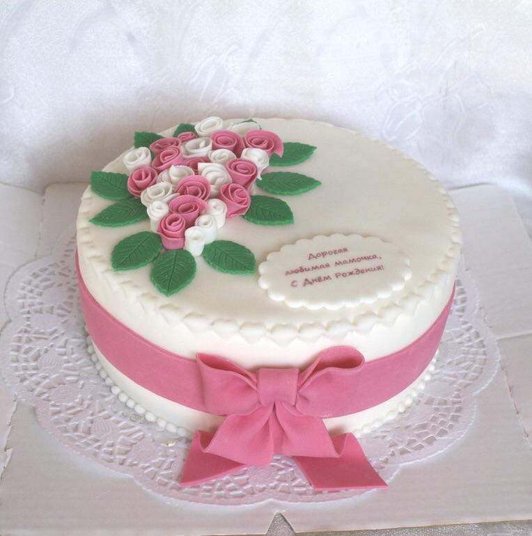 Дизайн на торте с мастикой