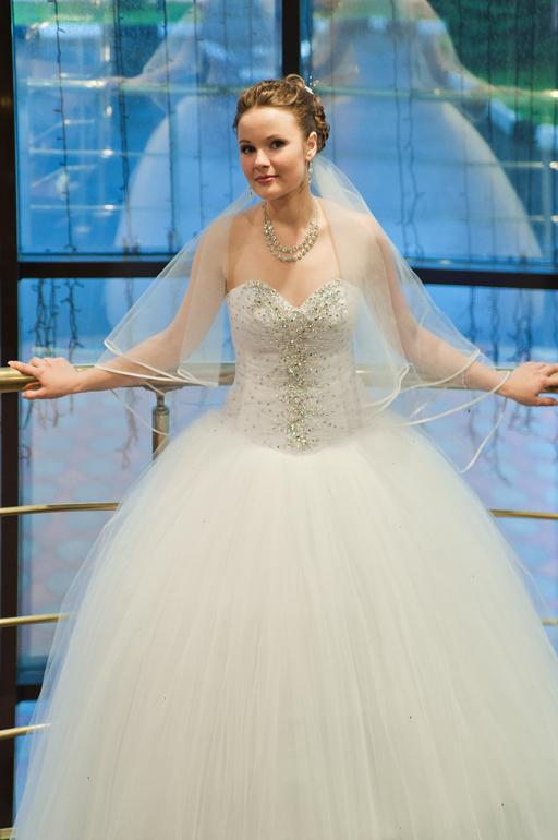 Продам свадебное платье +фата!5000 рублей!
