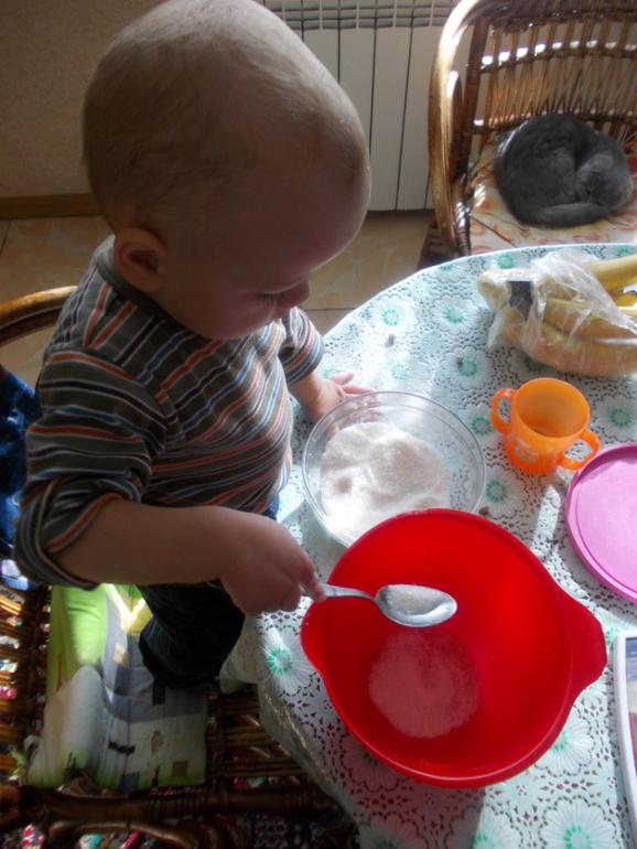 Сынттрахает мать на кухне 4 фотография