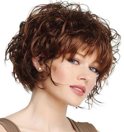 Кучерявая прическа на короткий волос