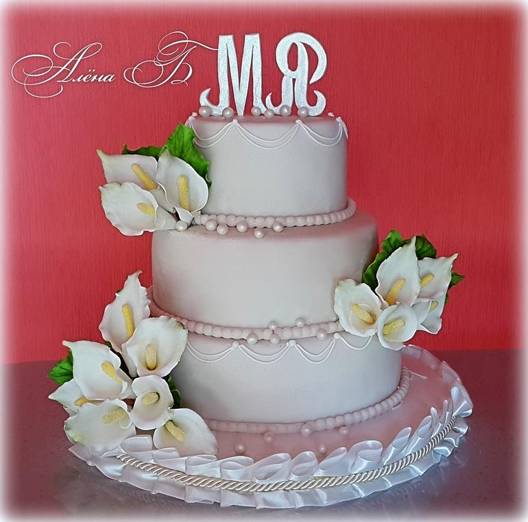 Долгожданный первый свадебный тортик!