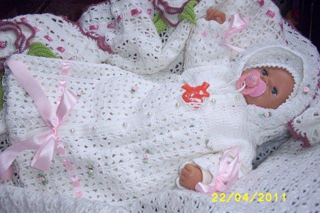 Вязаный костюмчик на выписку для новорожденных своими руками