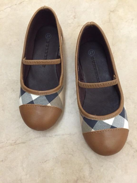 Магазин распродаж брендовой обуви и аксессуаров