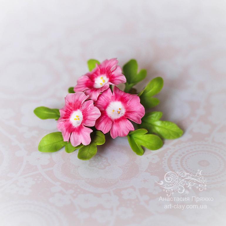 Маленькие цветочки для волос