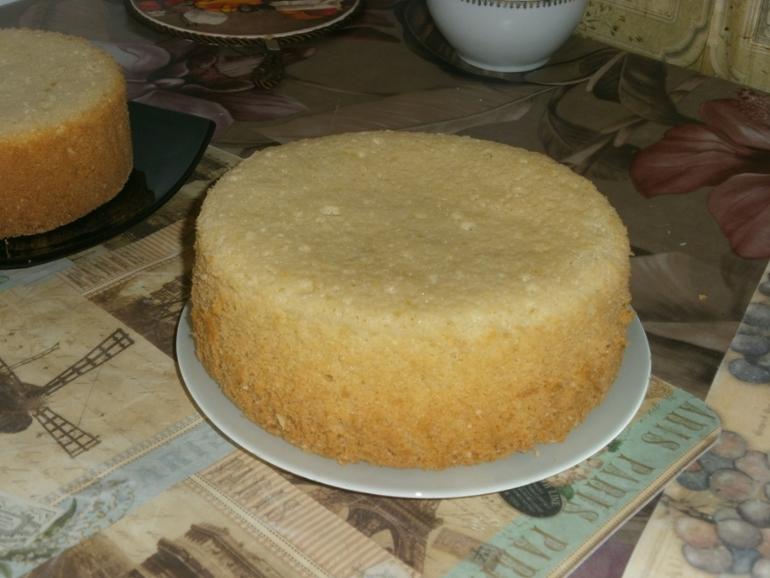 Как сделать коржи торта ровными 842