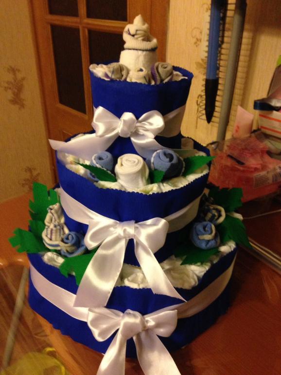 Торт из подгузников в подарок малышу