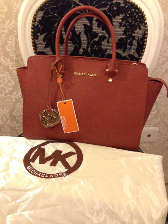Продажа копий сумок известных брендов