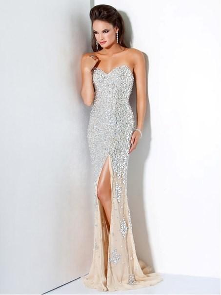 Закупку  платье  JOVANI