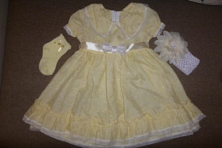 Новое  нарядное  платье  р.86-92+  аксы  в  подарок