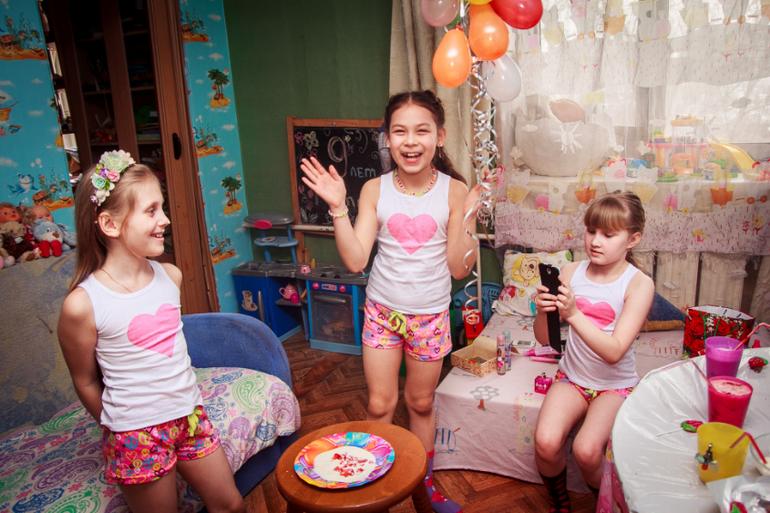 52 Вечеринка девушки разделись и
