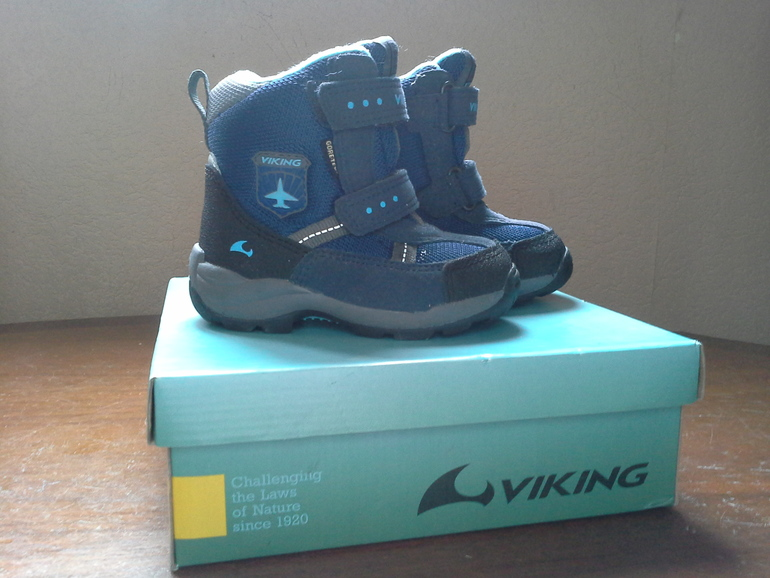 Зимние  сапожки  Viking,  размер  22