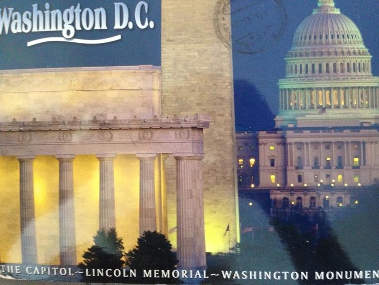 Сегодня мне пришли открытки из Ульяновска и США