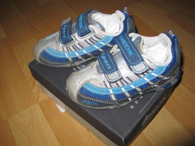 Geox кроссовки р24 светятся