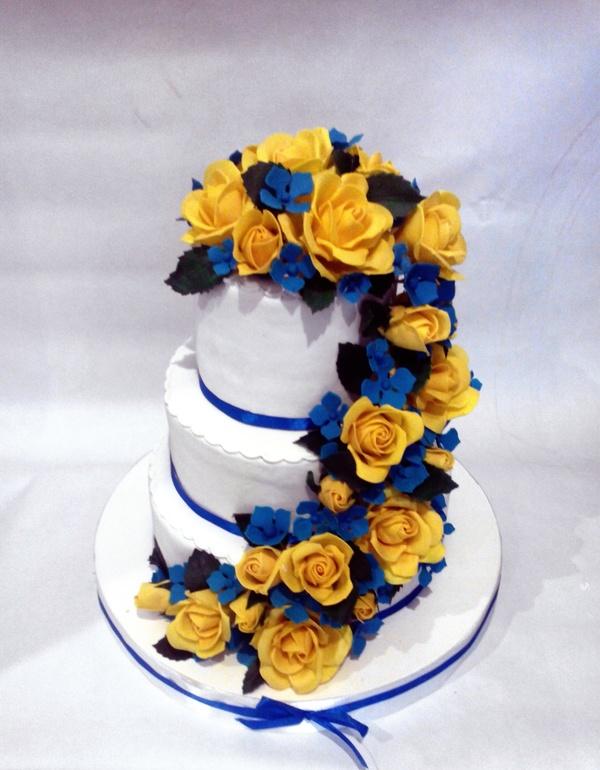 Свадебные торты сине-желтом цвете