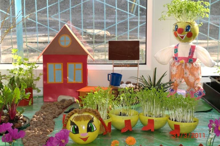 Оформление поделками для детского сада