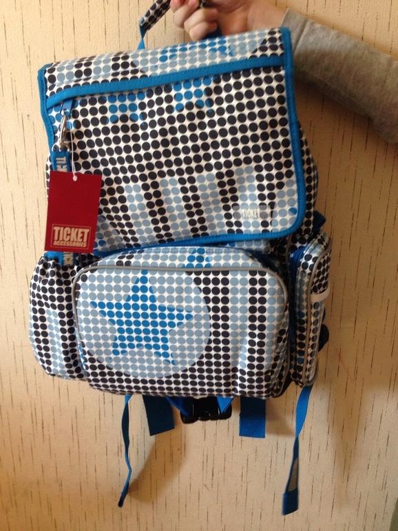 Первая покупка к школе - рюкзак. Огромное спасибо Свете!