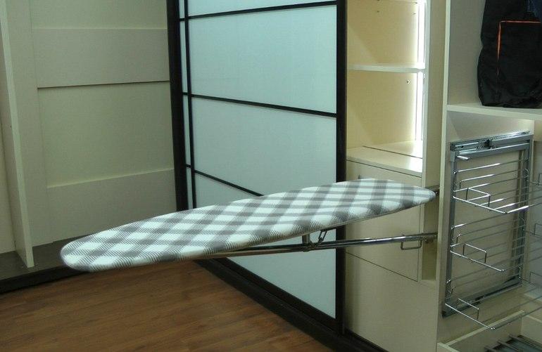 Гладильные доски встроенные в шкаф фото