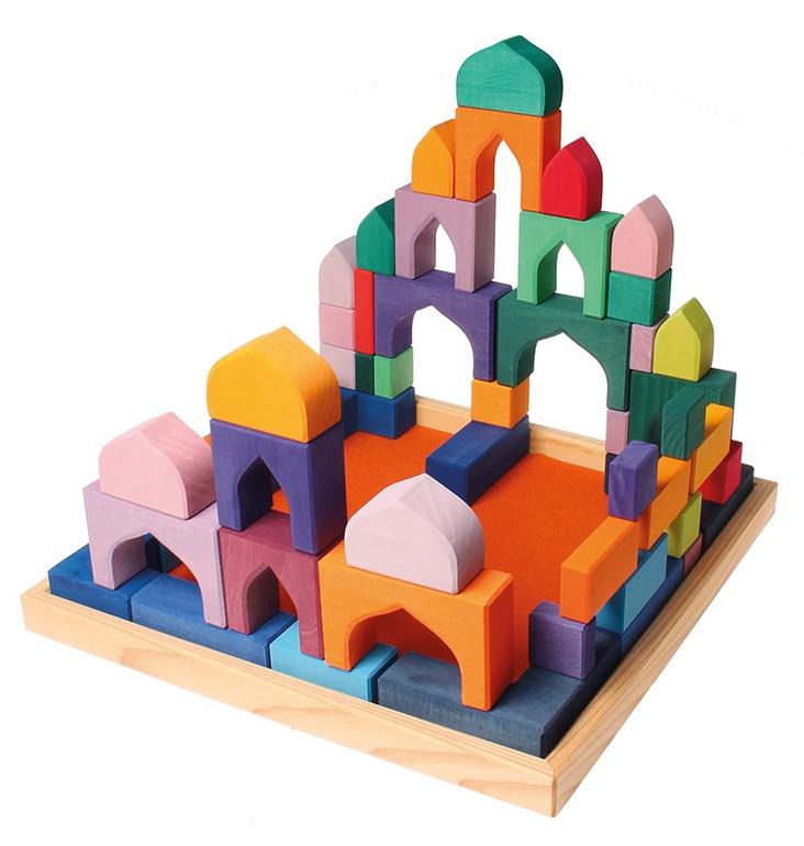 Состоит из 54 блоков в