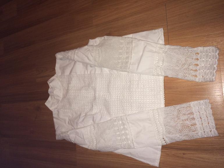 Блузка из хлопка с шитьем