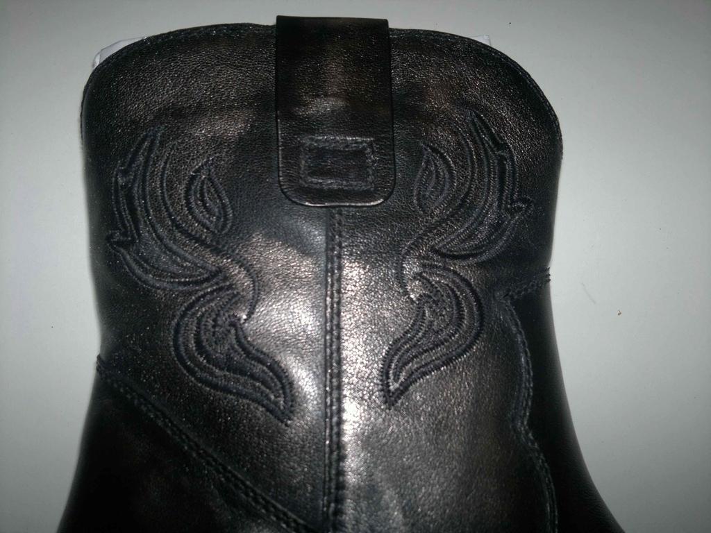 Новые стильные сапожки из натуральной кожи!38 р-р